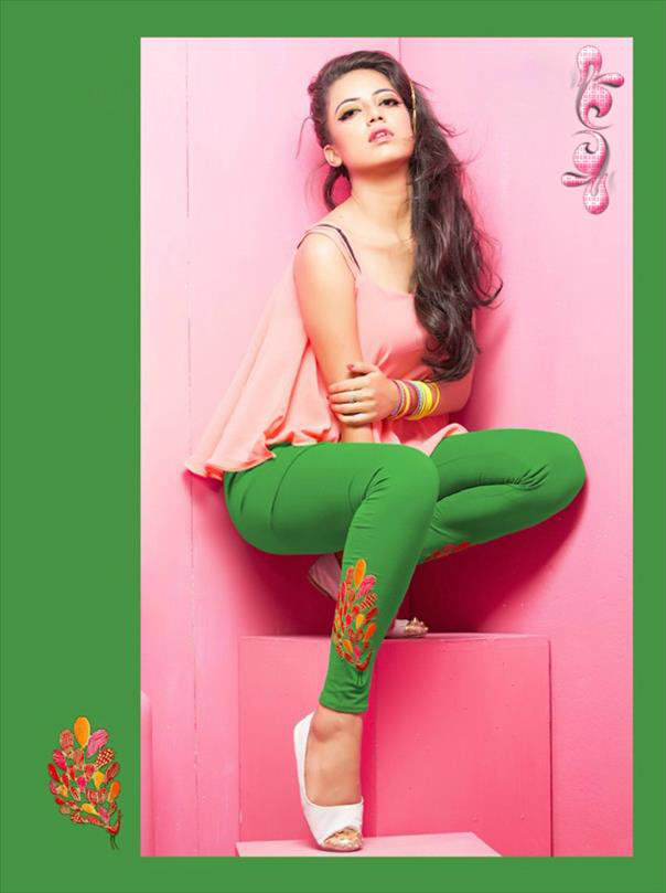 Green legging with embroidery 1007